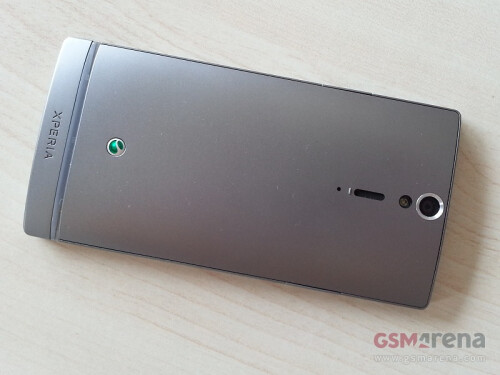 Silver Sony Xperia SL snapped from all angles, to be also pretty in pink