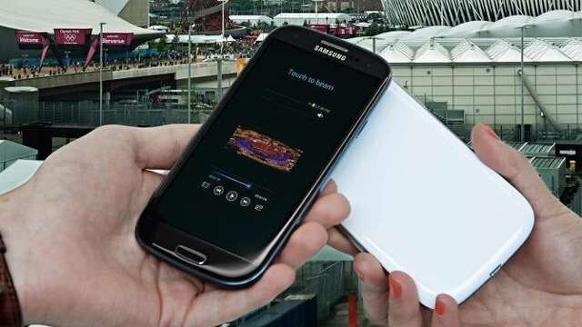 "The Facebook picture of a ""black"" Galaxy S III &nbsp - Samsung Galaxy S III to be offered in black"