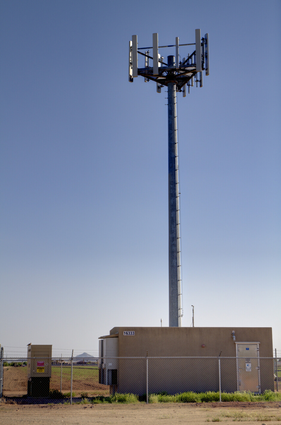 One of Verizon's LTE towers - Verizon adding and expanding its LTE coverage in 72 markets on Wednesday