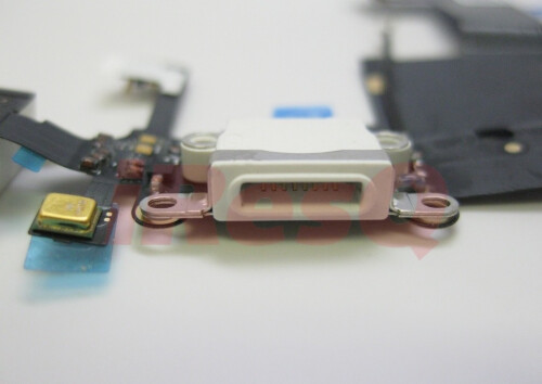 An 8-pin dock connector confirmed in a photo of parts alleged for the next iPhone