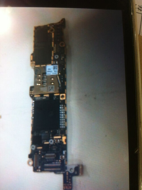 Some more alleged iPhone 5 parts leak, showing the motherboard