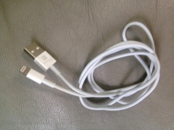 Apple's new USB cable with 8-pin connector