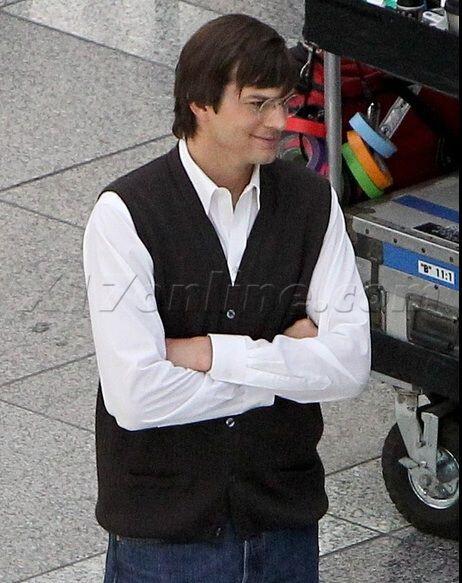 Photos of Ashton Kutcher playing Steve Jobs