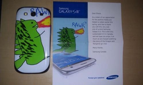 You draw me a dragon, I counter with kangaroo - Samsung gifts customized Galaxy S III to a loyal fan