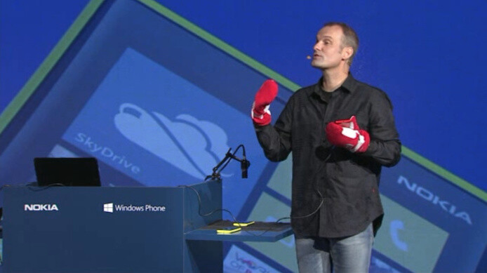 Kevin Shields demonstrates Super Sensitive touchscreen technology by Nokia - Nokia demonstrates Super Sensitive touch technology on the Lumia 920... using mittens