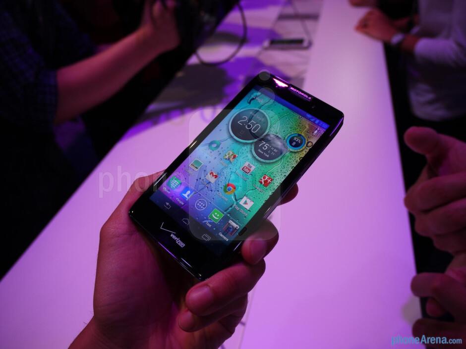 Motorola DROID RAZR MAXX HD hands-on