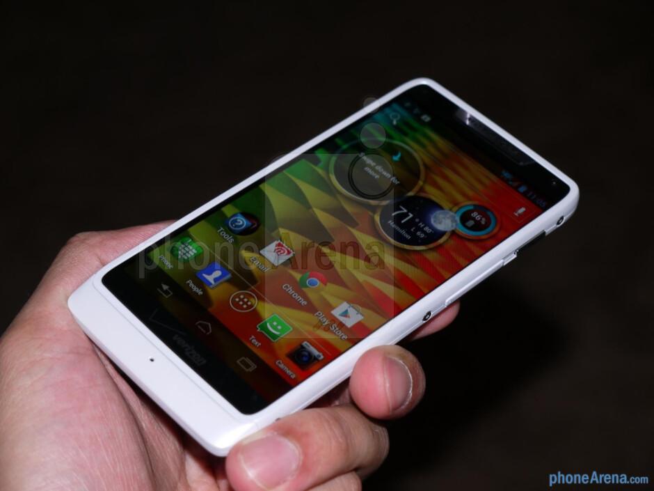 Motorola DROID RAZR M hands-on