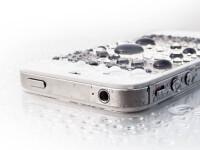 iphone-5-water-resistant