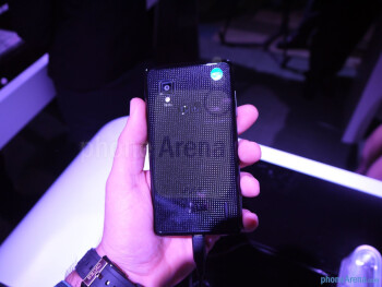 """LG Optimus G with its Snapdragon S4 CPU brings one dandy """"Living Without Boundaries"""" experience"""