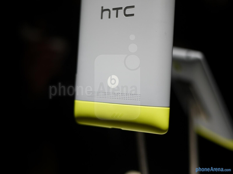 HTC 8S hands-on