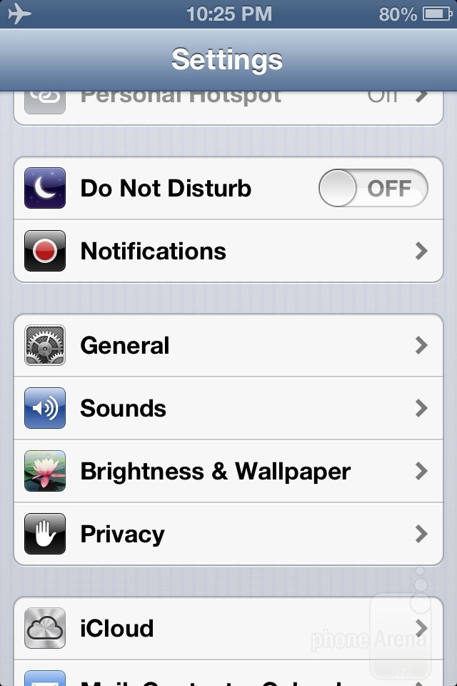 iOS 6 homescreen and settings - iOS 6 Review