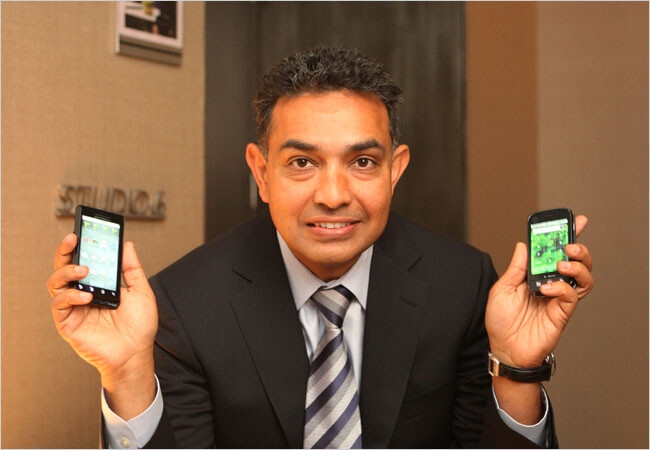 Former Motorola CEO Sanjay Jha - Here is the introduction of the 2GHz Intel powered Motorola RAZR i