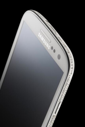 Crystal encrusted Samsung Galaxy S III Swarovski Edition by Amosu Couture