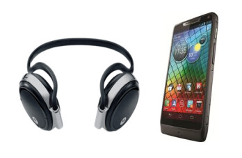 The first 500 who order the Motorola RAZR i from Phones 4u will get a free Bluetooth headphone