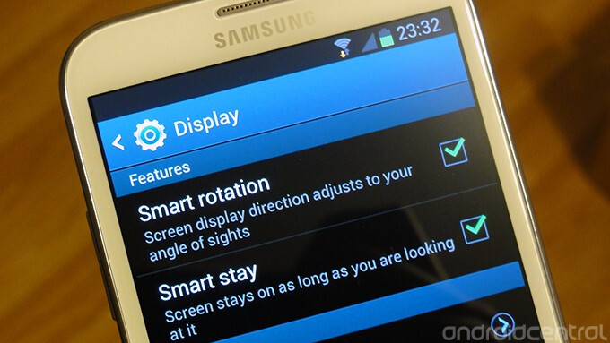 """Smart Rotation makes sure the screen is always oriented correctly - Samsung GALAXY Note II offers """"Smart Rotation"""""""