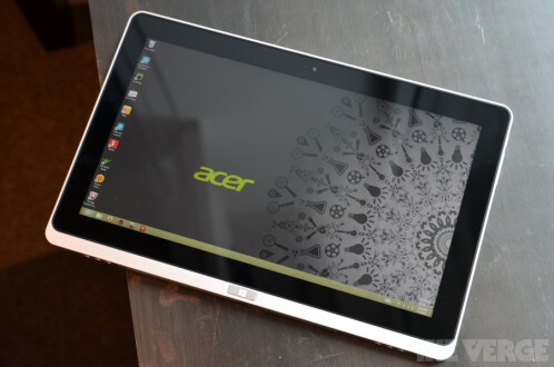The Acer Iconia W700