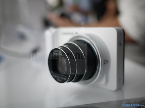 Up close and personal with its 21x optical zoom