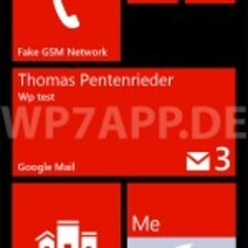 Live tile and lock screen with the latest e-mail subject displayed.
