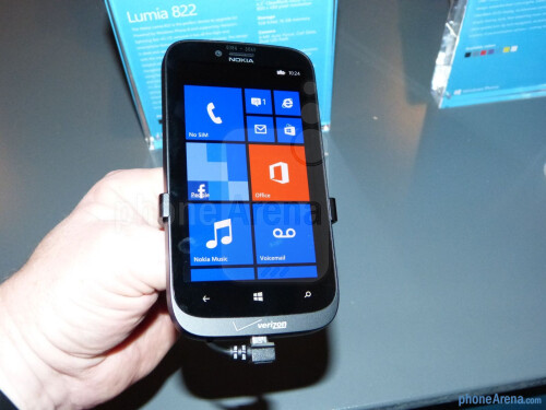 Nokia Lumia 822 Hands-on