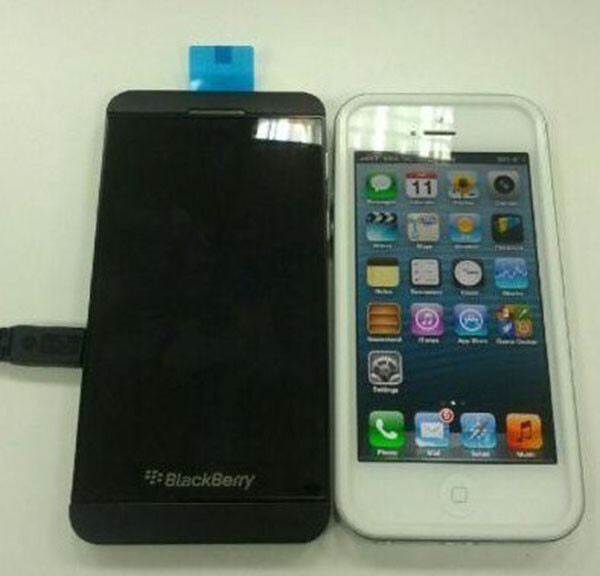 BlackBerry 10 L phone vs iPhone 5 - BlackBerry 10 L-series phone size compared to iPhone 5
