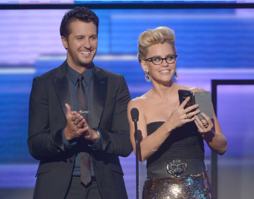 Jenny McCarthy and country singer Luke Bryan