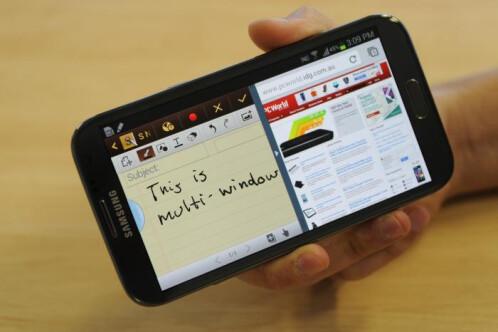 Multi-window mode - Samsung TouchWiz