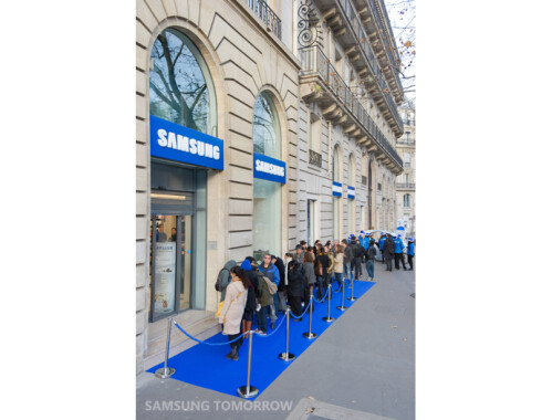 First 'Samsung Mobile Store' opens doors in Paris