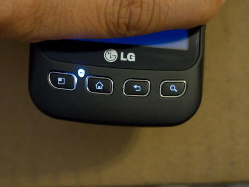 LG Optimus V gets notification lights