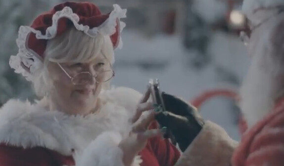 The Claus' use S Beam to share racy video - New Samsung Galaxy S III ad puts a Christmas twist on previous commercial