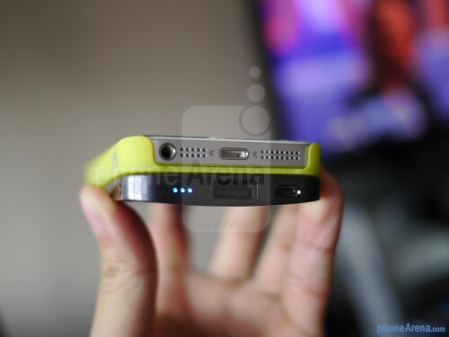 uNu Ecopak iPhone 5 Battery Case hands-on