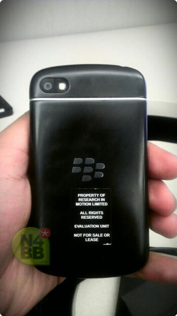 The BlackBerry X10 and its physical QWERTY keyboard