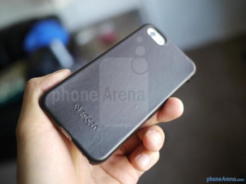 Spigen iPhone 5 Genuine Leather Grip Case hands-on