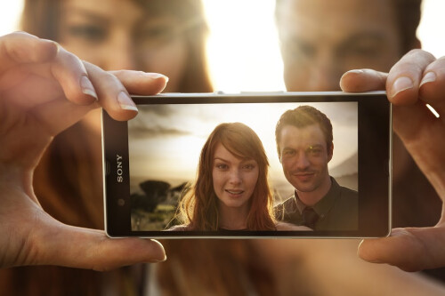 Sony Xperia Z specs review: greet the real 007 phone
