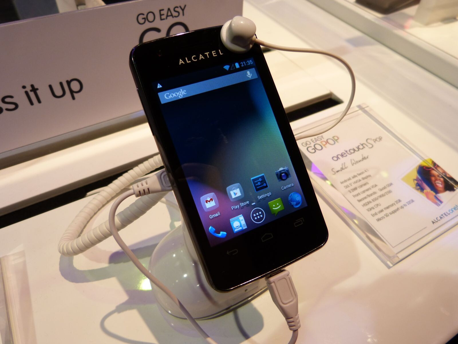 Alcatel One Touch S'Pop hands-on | PhoneArena reviews