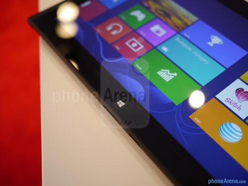 Lenovo ThinkPad Tablet 2 hands-on