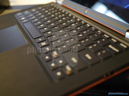 Lenovo IdeaPad Yoga 11s hands-on