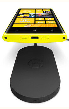 Nokia Lumia 920 still comes with a free wireless charging pad, AT&T extends promo