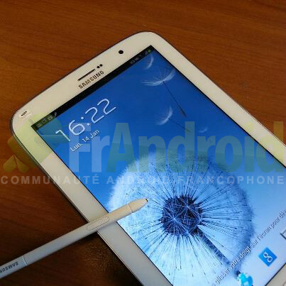 Images show Samsung Galaxy Note 8.0 with S Pen side by side with a Galaxy S III