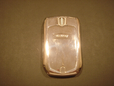 Live pictures of Blackberry 8700 Gold edition