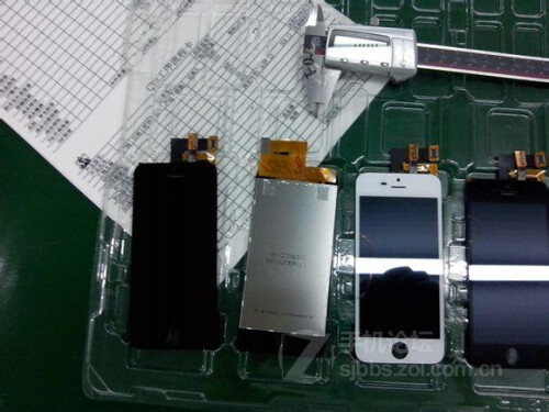 Alleged iPhone 5S photos