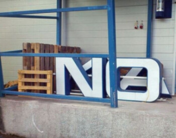 The Nokia sign gets taken down off another building