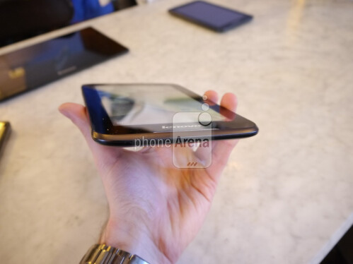 "Lenovo A1000 7"" tablet hands-on"