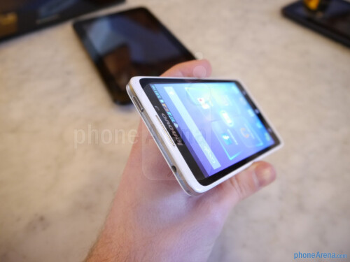 Lenovo S890 hands-on