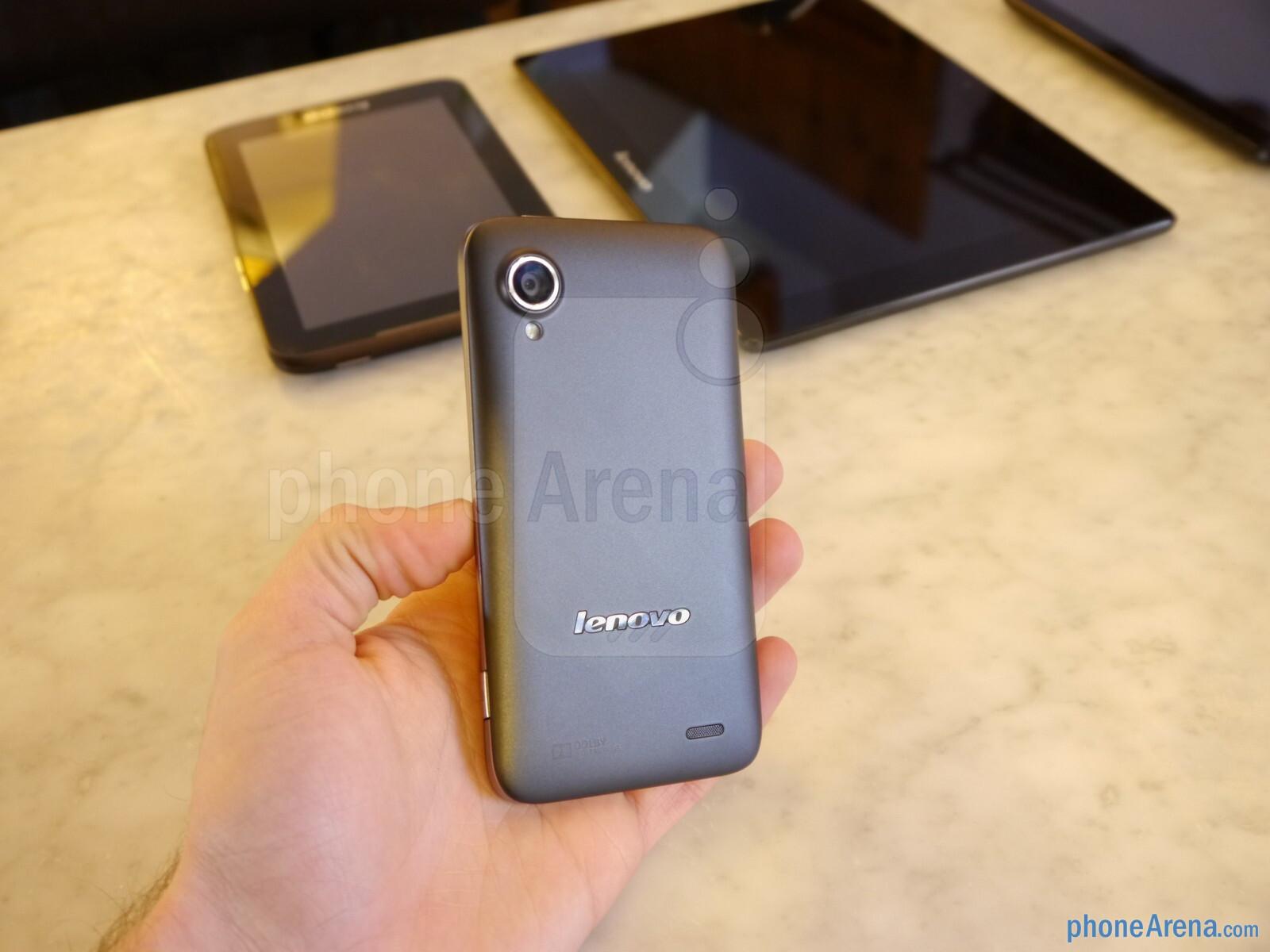 Lenovo IdeaPhone S720 hands-on