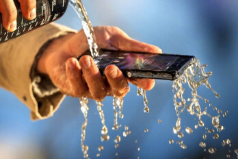 Sony Xperia Z launch sales encouraging, says executive, no plans for WP8 phones in H1