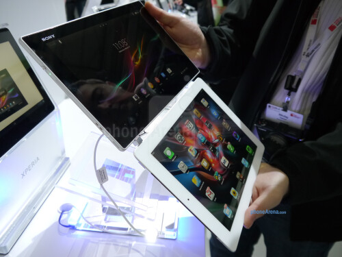 Sony Xperia Tablet Z vs Apple iPad: first look