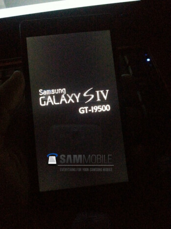 The latest leaked shot of the Samsung Galaxy S IV (L) with last week's photo