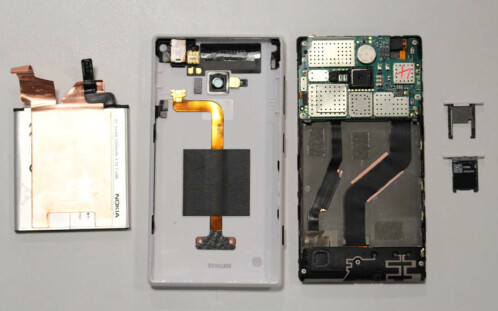 Nokia Lumia 720 on the inside