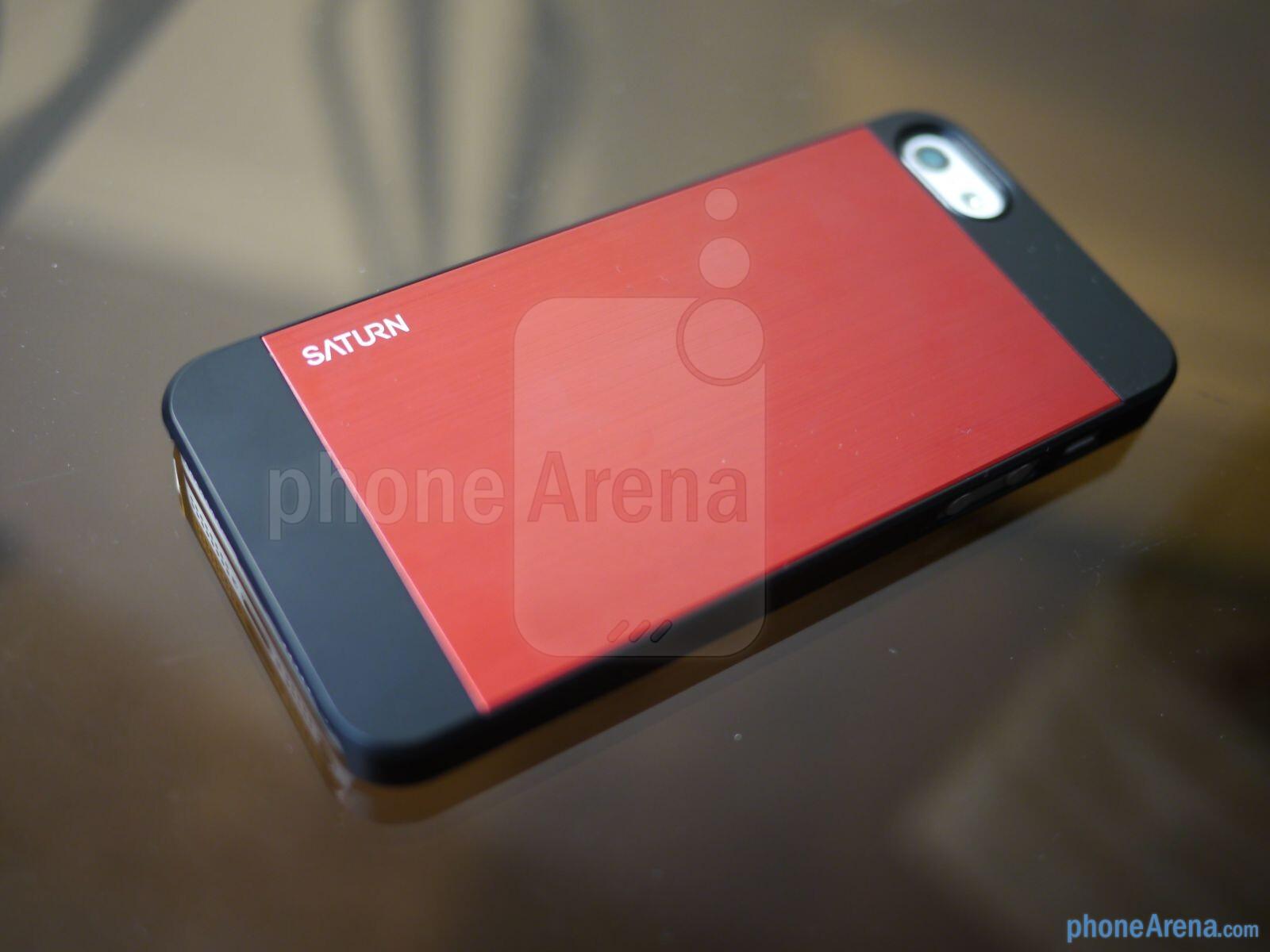 spigen iphone 5 saturn case hands on phonearena reviews. Black Bedroom Furniture Sets. Home Design Ideas