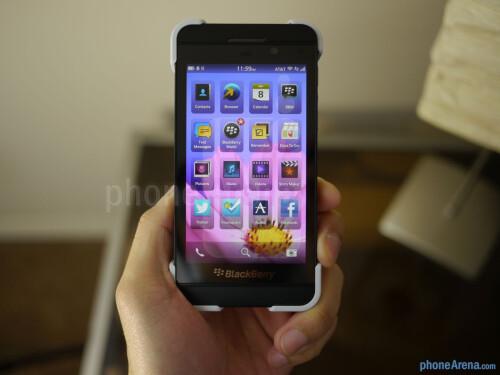 BlackBerry Z10 Transform Hard Shell Case hands-on